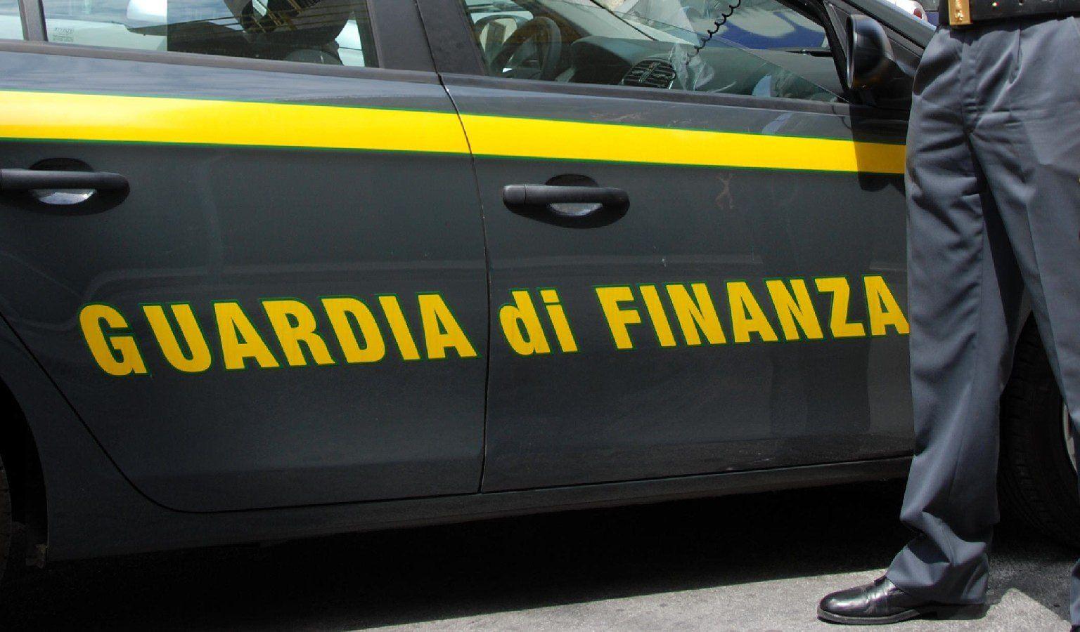 Contrabbando di prodotti petroliferi, 3 denunce a Crotone