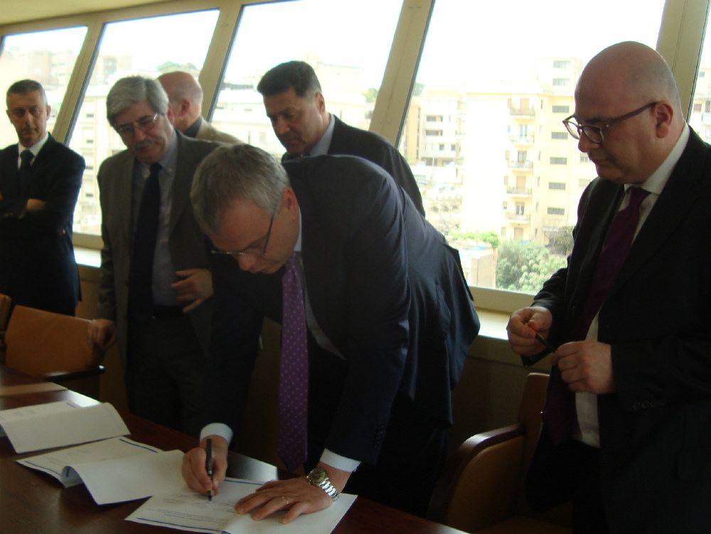 Firmata l`intesa per l`ingresso dei giornalisti a Palazzo Campanella