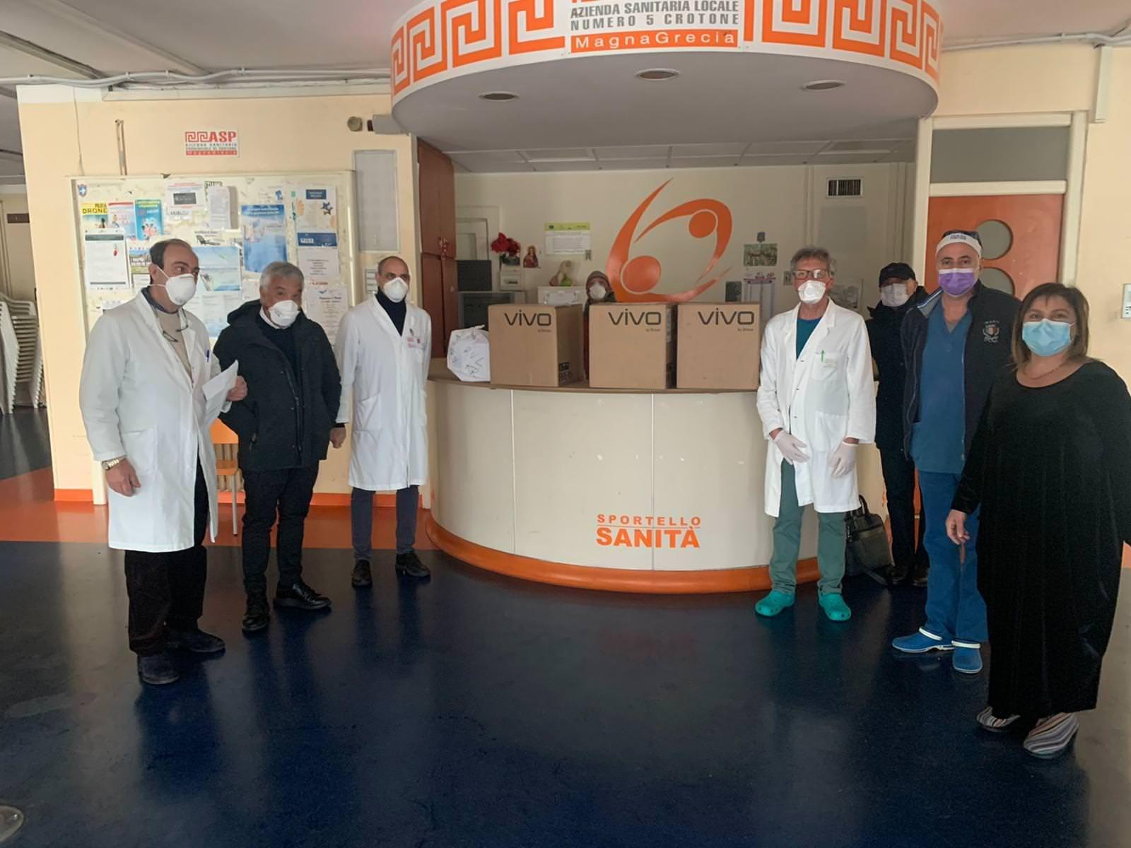 Coronavirus, Raffaele Vrenna dona tre respiratori polmonari all'ospedale di Crotone