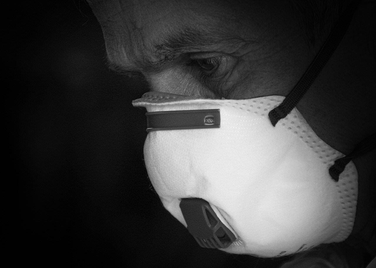 «Giù la maschera (delle ipocrisie) per la salute e il bene di questa regione»