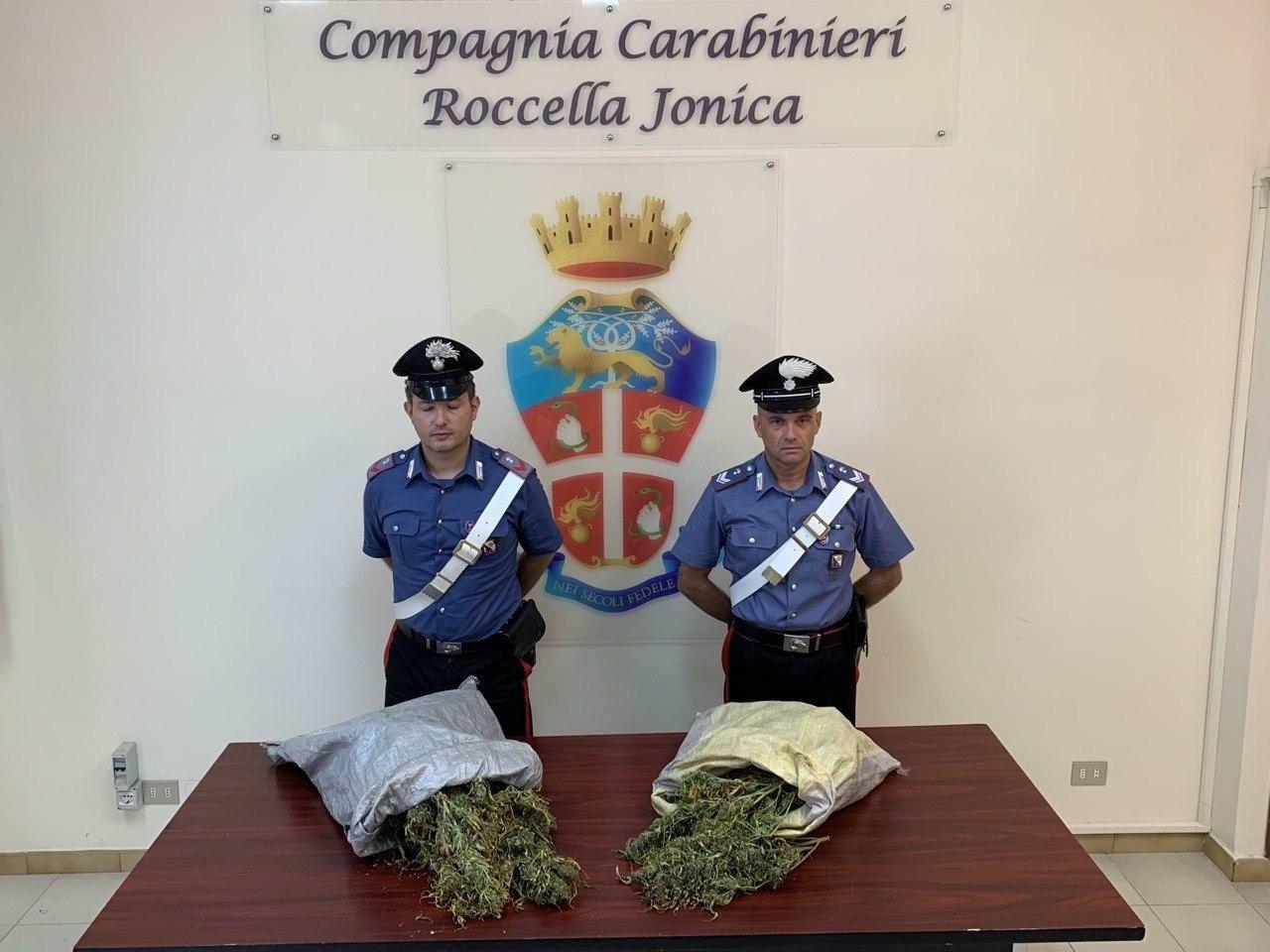Più di 4 chili di mariujuana, 2 arresti a Gioiosa Jonica