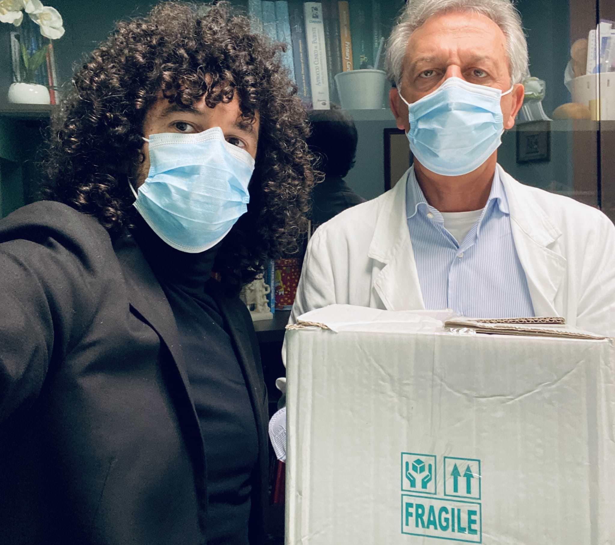 #MusicaeCoraggio, Virelli consegna materiale sanitario all'ospedale San Giovanni di Dio