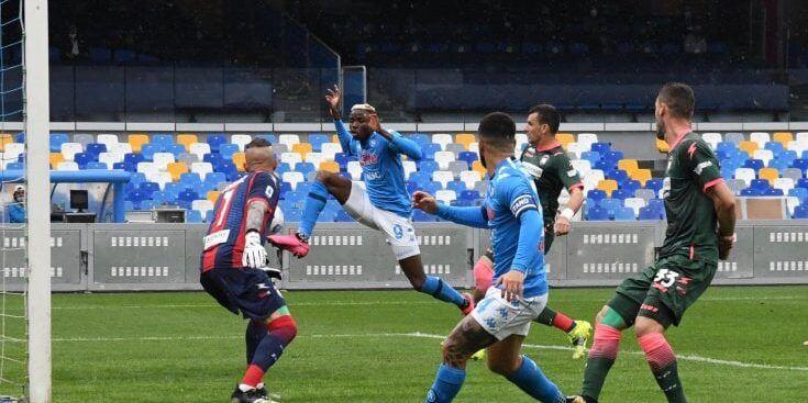 Il Crotone recupera due gol al Napoli, poi si arrende a Di Lorenzo