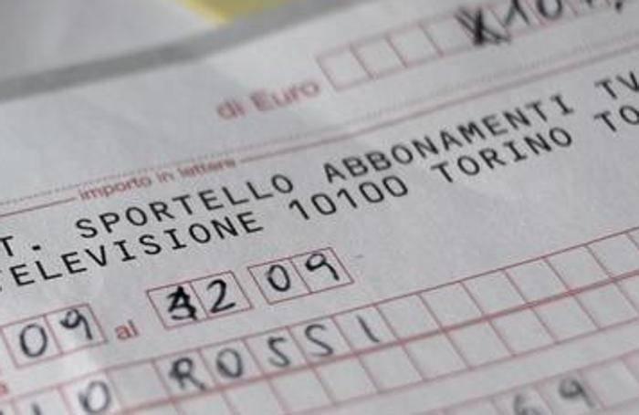 Falsifica due bollettini per il canone rai condannato a 6 for Canone rai 2017 importo