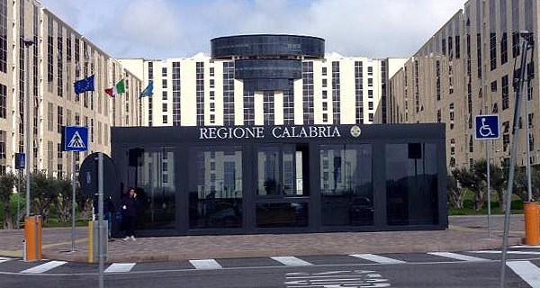 """Calabria con il """"cappio"""" pubblico"""