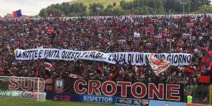 Chiesta la retrocessione del Chievo, il Crotone spera nella A