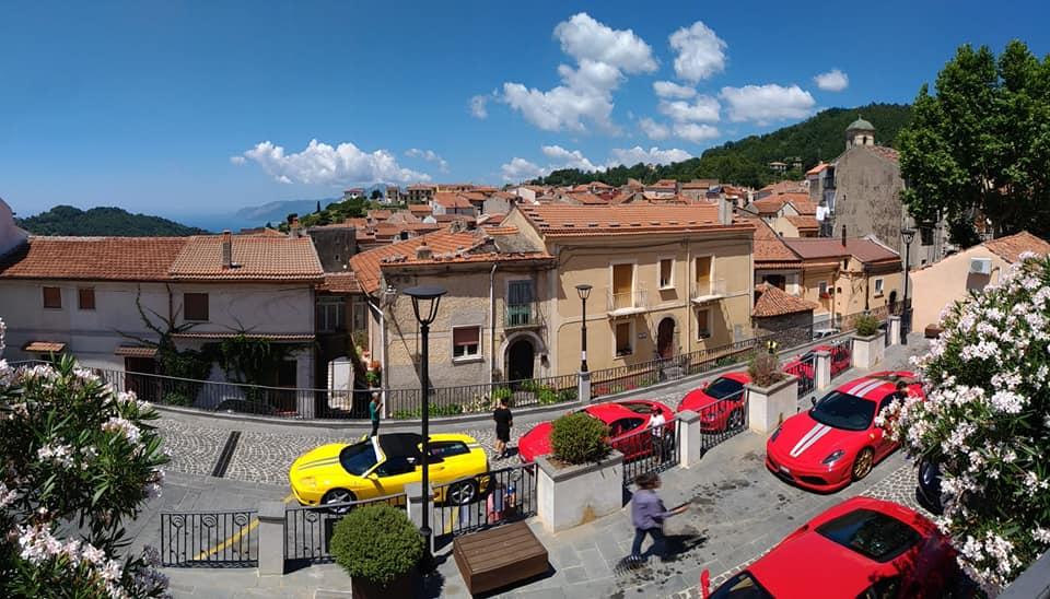 Le Ferrari calabresi tingono di rosso Torraca – FOTO