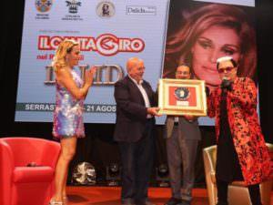 Serrastretta omaggia Dalida con un premio per Carla Bruni