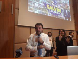 Salvini a Reggio: «Il centrodestra compatto vincerà. Ma se qualcuno vuole andarsene è libero»