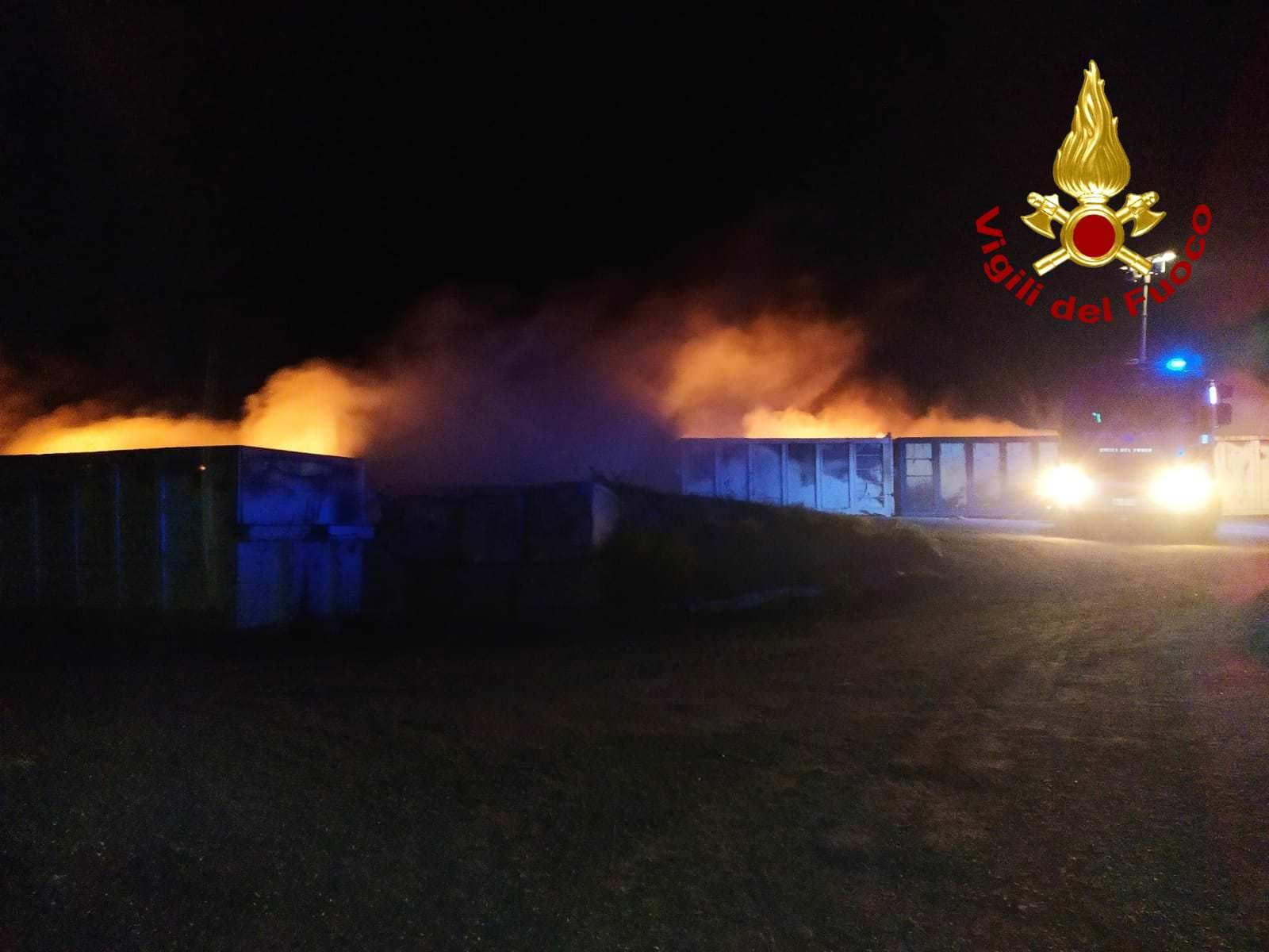 Incendio isola ecologica Nocera Terinese