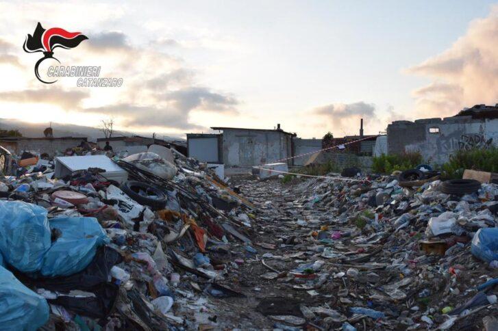 rifiuti campo rom scordovillo
