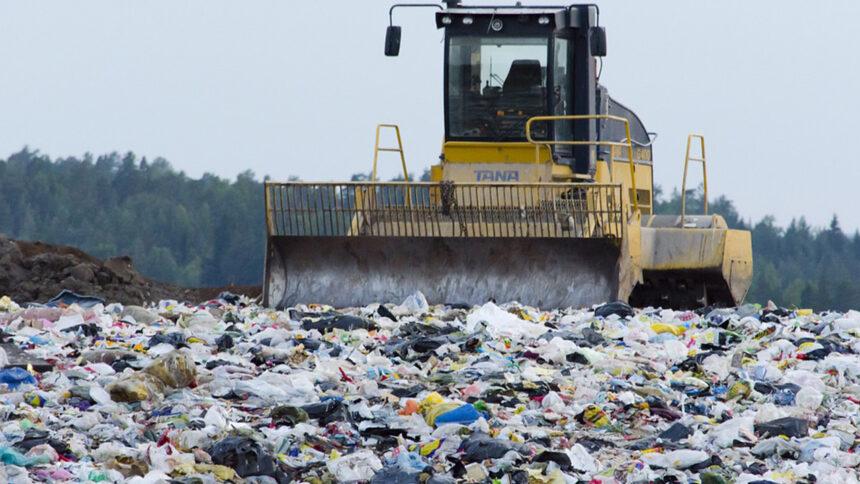 In Calabria prosegue l'utilizzo intensivo delle discariche come terminale dei rifiuti
